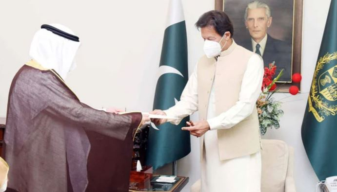 The Kuwaiti Foreign Minister and the visiting delegation to Pakistan were also quarantined